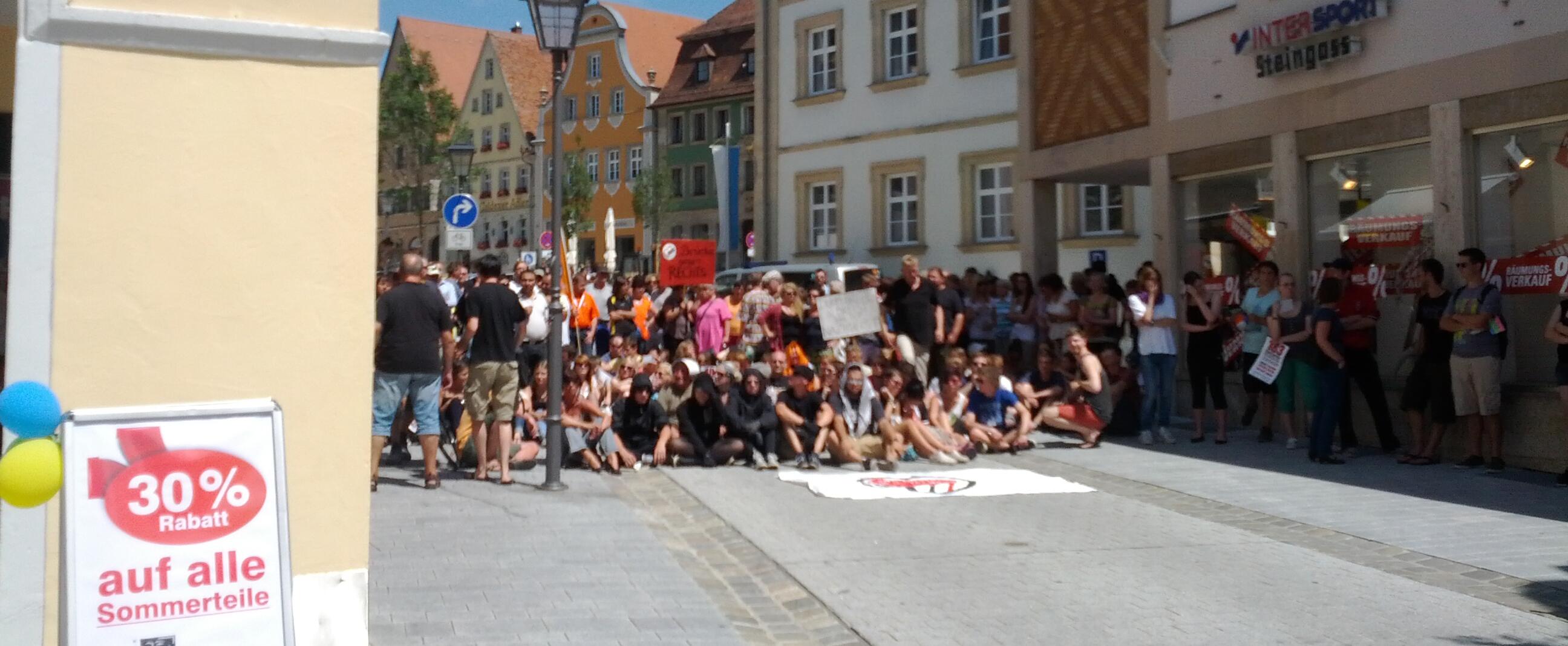 Weißenburg steht gegen Rechts zusammen